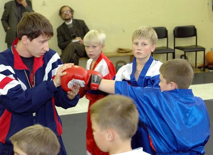 Инструктор по спортивной работе с детьми дошкольного и школьного возраста