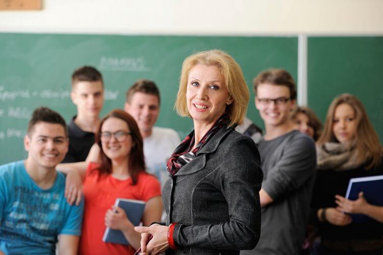 Преподаватель обществознания в условиях реализации ФГОС